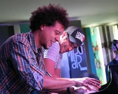 Aldo Lopez-Gavilán and Harold Lopez-Nussa on piano during a jam session for PlazaCUBA.